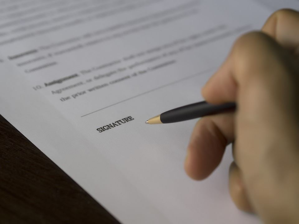 Generic Contract Signing Image