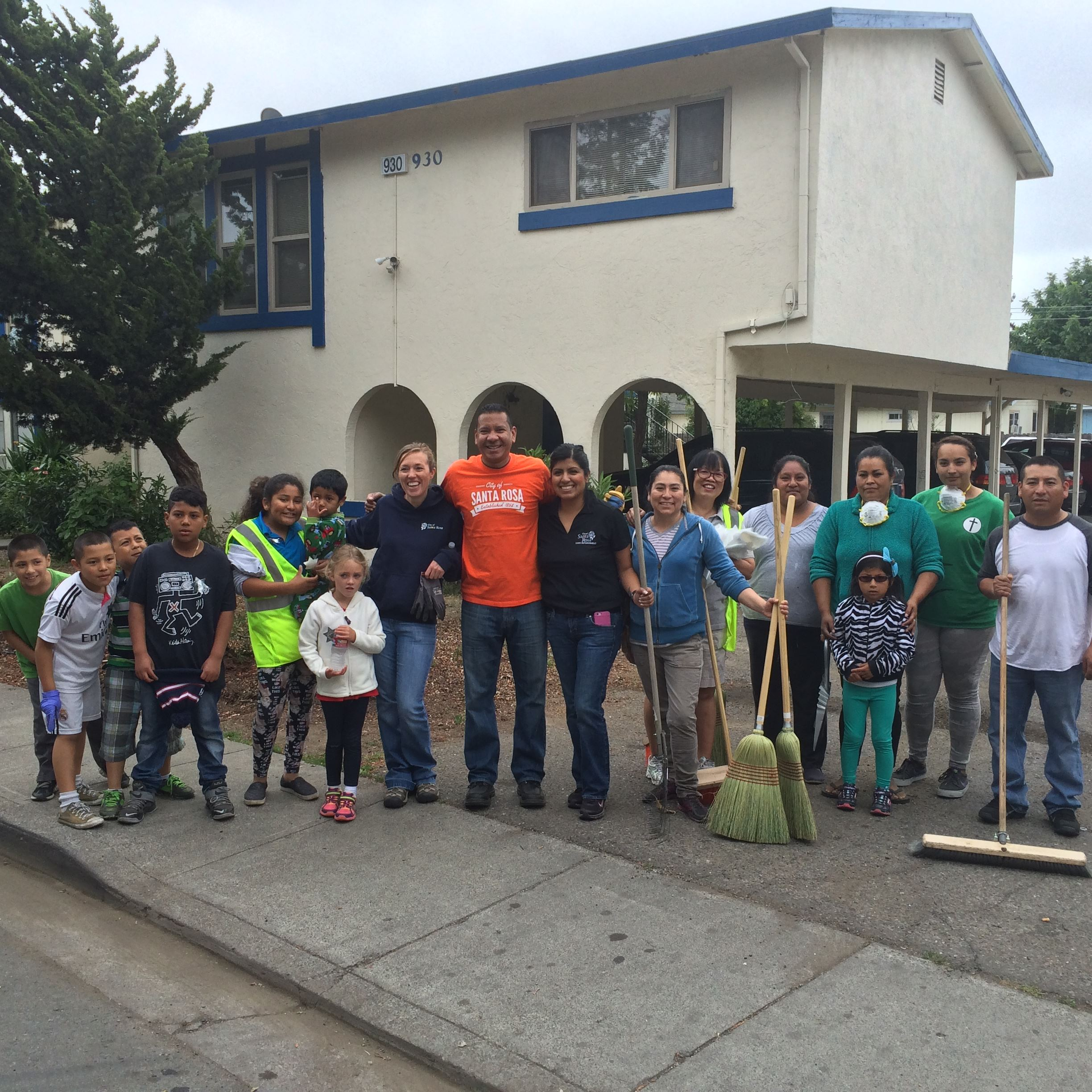 Volunteers Cleaning Up Streets